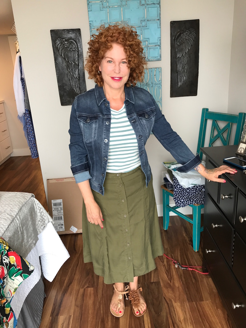 madewell white and green striped t-shirt, ag denim jacket, ag jean jacket, olive green skirt, olive green button up skirt, nude metal disc sandals, tan suede fringe sandals