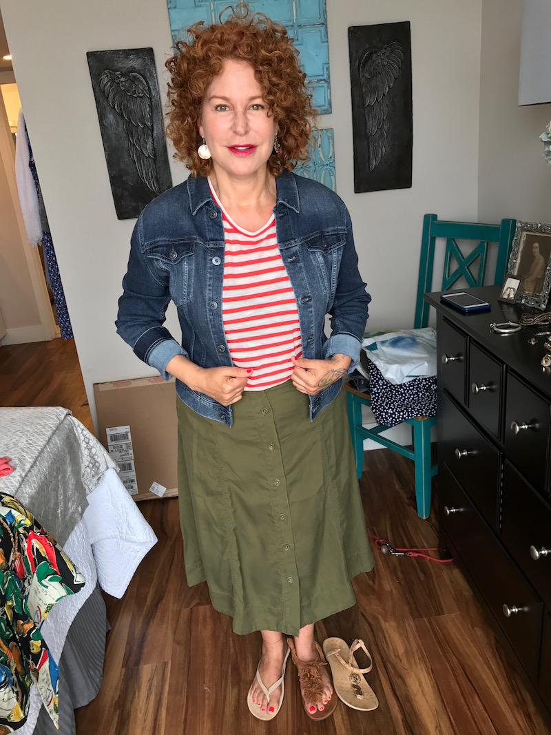 madewell white and red striped t-shirt, ag denim jacket, ag jean jacket, olive green skirt, olive green button up skirt, beige suede sandals, tan suede fringe sandals, nude metal disc sandals