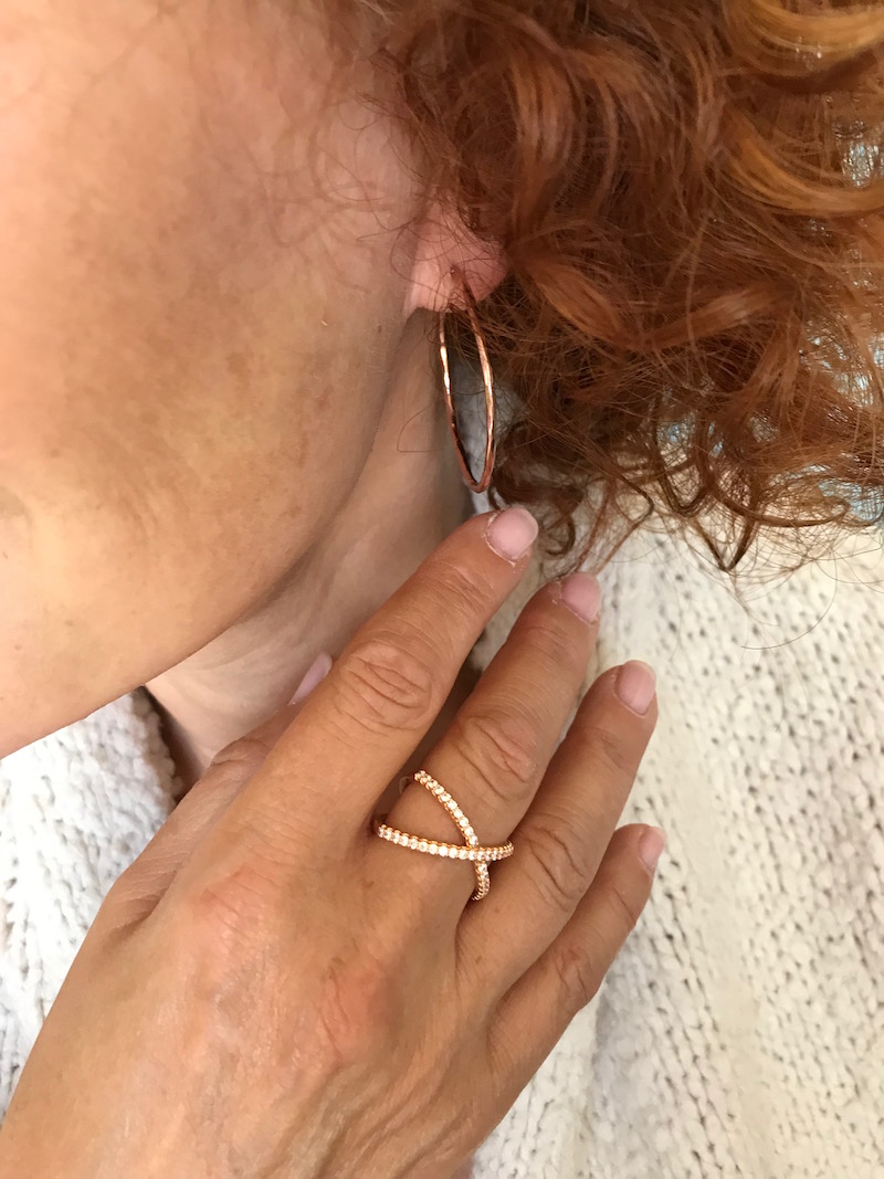 rose gols hoop earrings, rose gold and crystal crossover ring