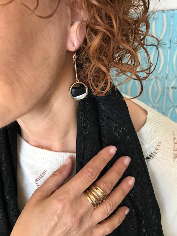 gold and black stone bar and circle drop earrings, gold wrap around ring