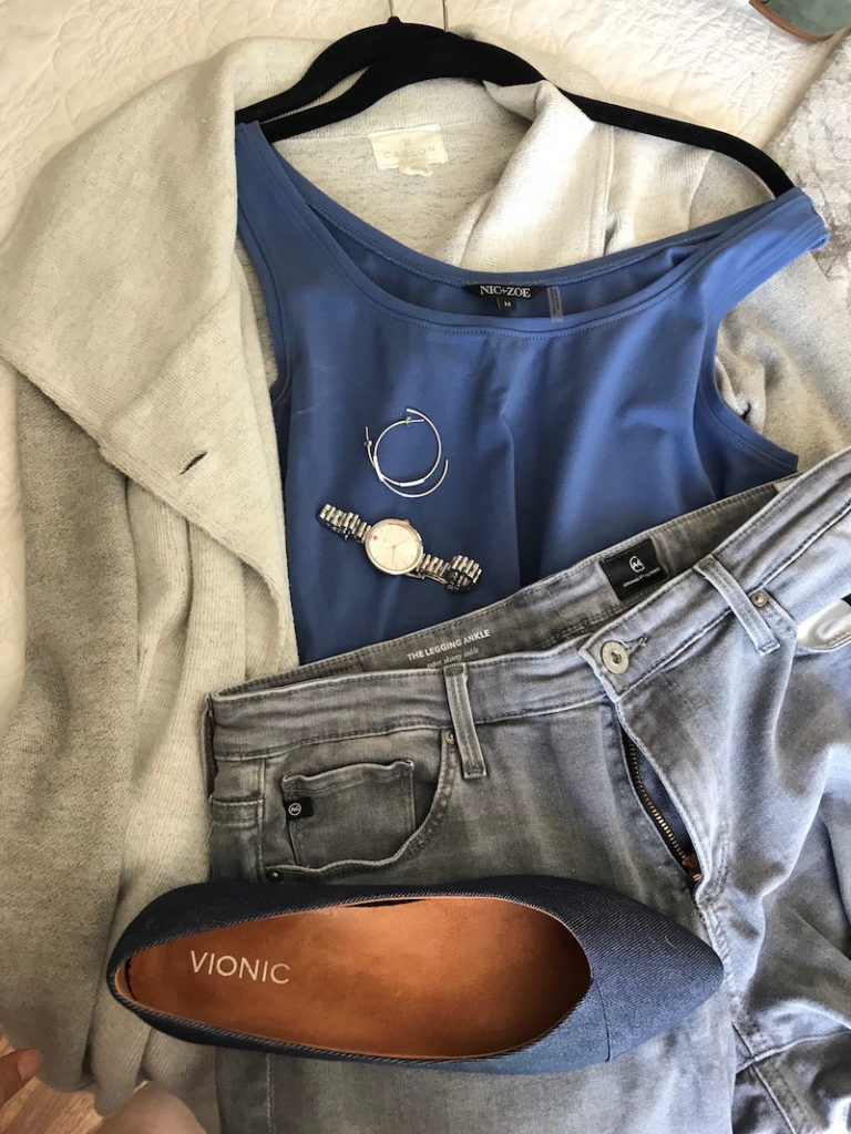 nic + zoe blue tank top, ag light grey skinny jeans, vionic blue pointy toe flats, caslon light grey cardigan