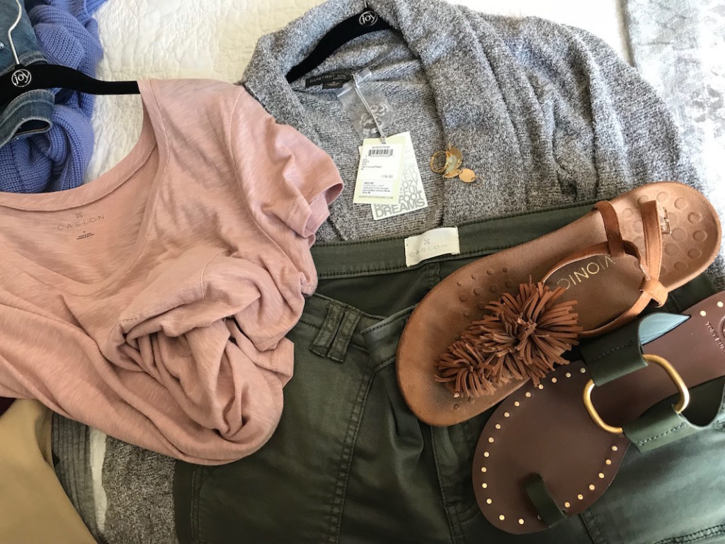 caslon salmon pink tee, barefoot dream beige oatmeal cardigan, caslon olive green jeans, tory burch dark green sandals, vionic tan fringe sandals