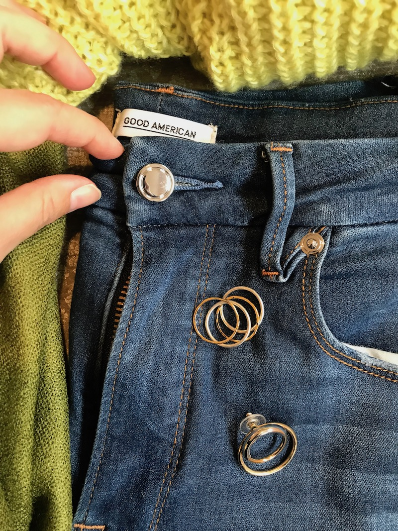good american medium blue jeans, gold mixed rings, gold double circle earrings