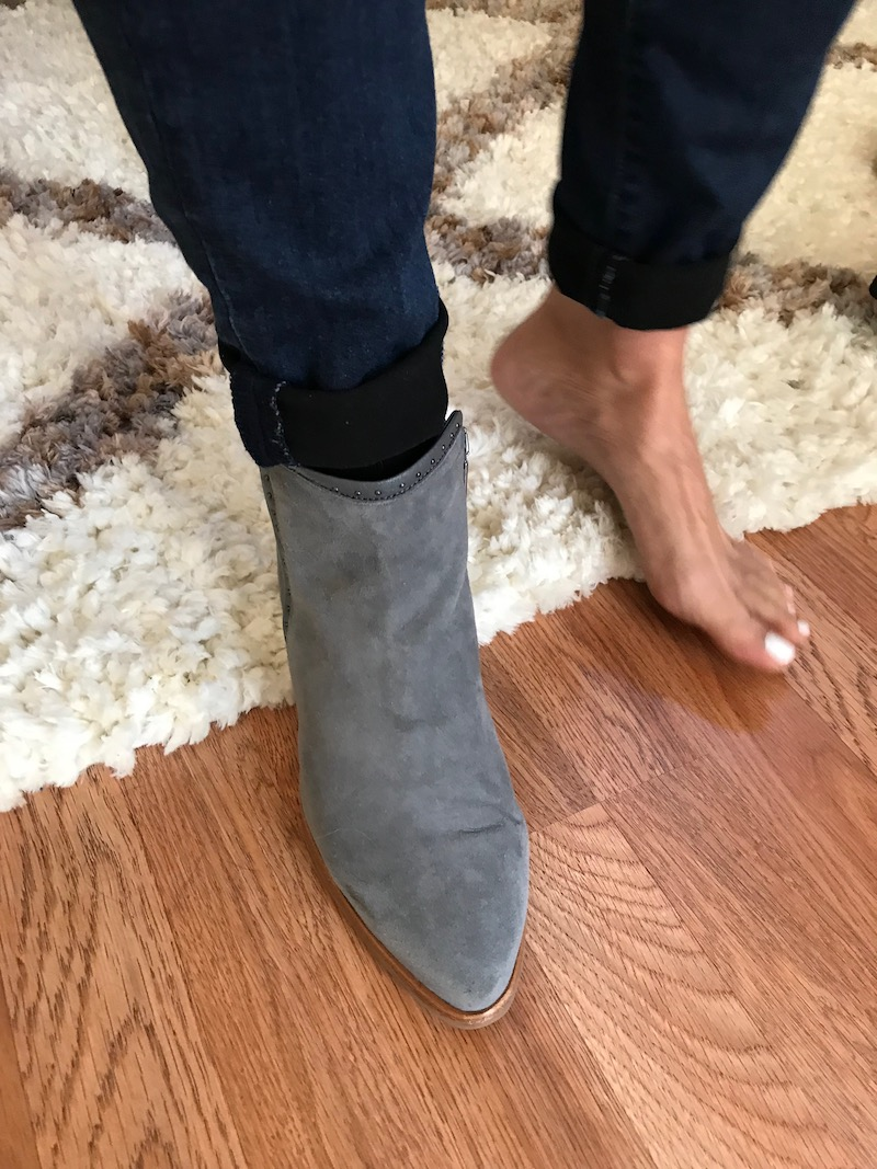 italeau grey suede booties