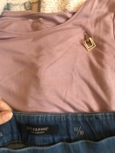 square gold earrings, Liverpool medium blue jeggings