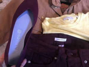 Rothy's dark purple flats, Good American dark purple jeans, Vince yellow and white t shirt